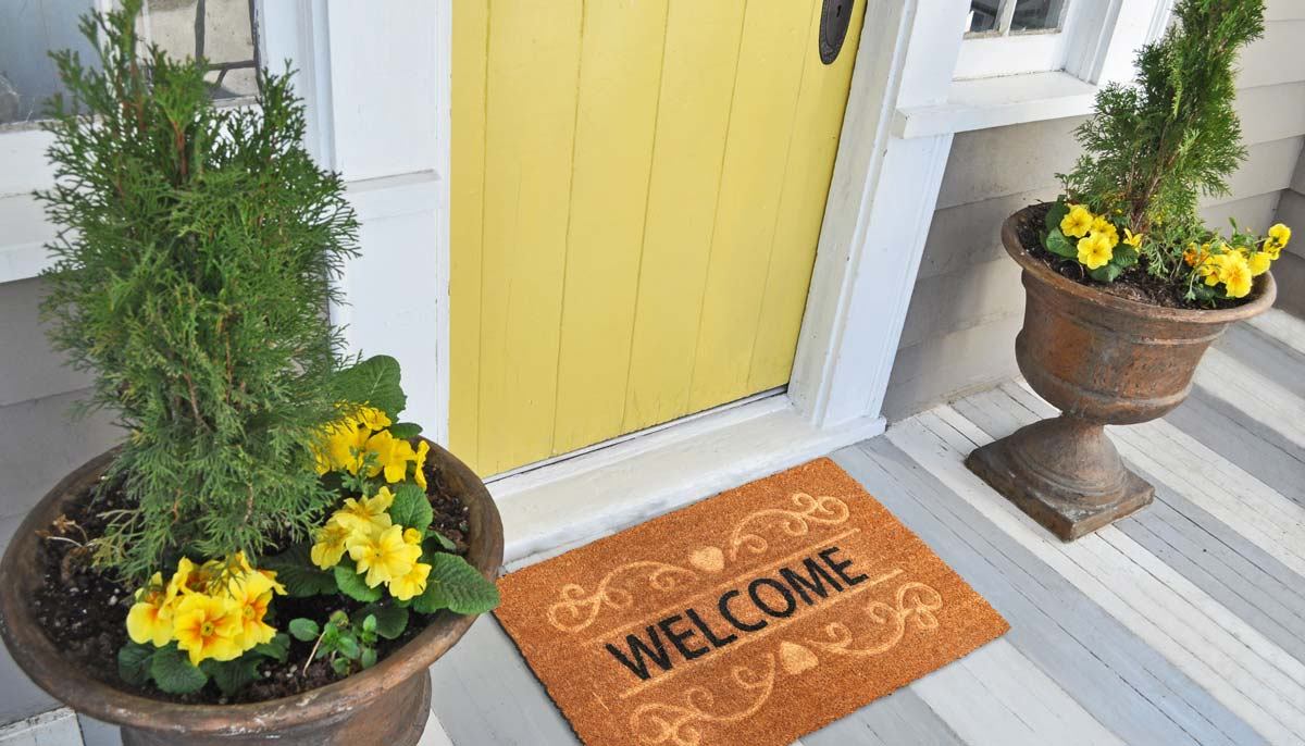 Enhance Your Home's Front Entrance With These Easy Tips